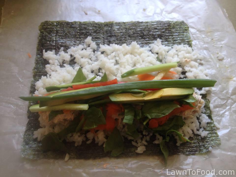 tuna sushi roll